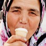 """Le donne non possono leccare il gelato: """"Come essere una donna a Istanbul"""""""