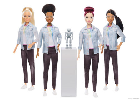 Con vitiligine, protesi o calva: le nuove versioni di Barbie (e Ken)