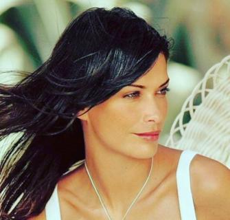"""Fernanda Lessa: """"Cocaina e alcol per sfilare, poi è arrivata mia figlia"""""""