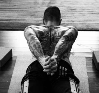 """Adam Levine: """"Grazie yoga, mi spingi a fare di più (e a fare del sesso migliore)"""""""