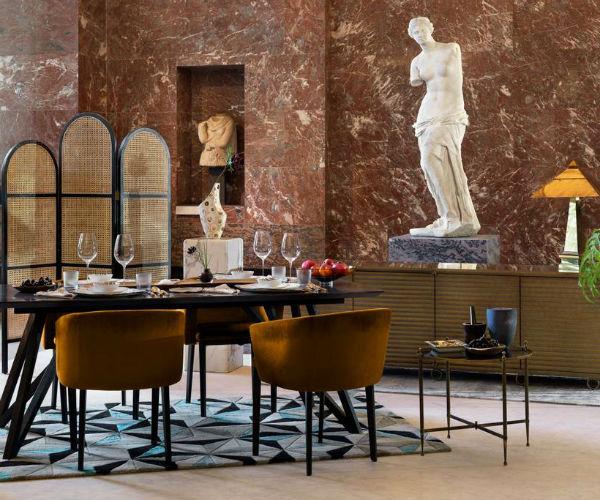 Dormire ospitati dalla Monna Lisa: l'offerta da sogno per una sola notte del Louvre