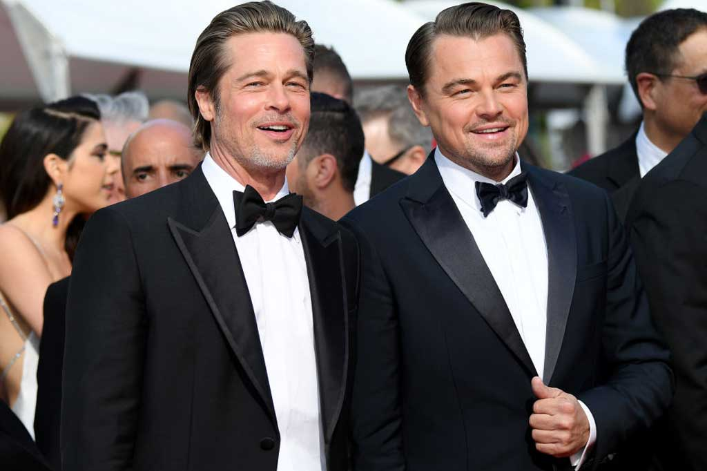 L'omaggio di Leo Di Caprio e Brad Pitt a Luke Perry