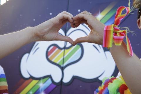 25 foto dal Magical Pride di Disneyland: tutti i colori contro l'omofobia
