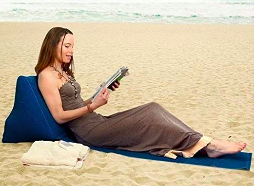 La sdraio per leggere mentre prendi il sole a pancia in giù