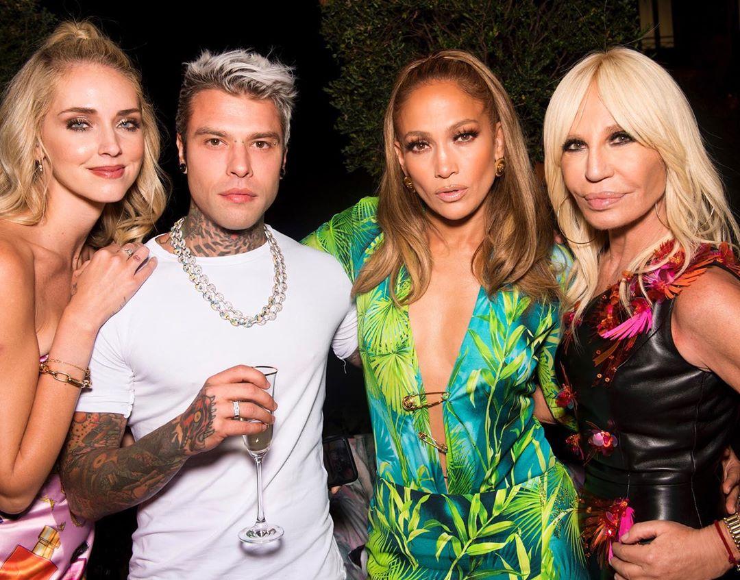 Fedez, Totti e altri 6 vip in fuga: ma è tutto per il reality Celebrity Hunted
