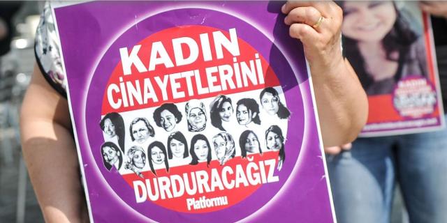 390 femminicidi da inizio anno: le donne turche che non possono camminare da sole