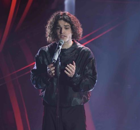 Lo striptease di Achille Lauro e altri 15 momenti imperdibili del Festival di Sanremo
