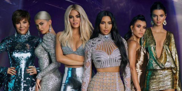 """Le Kardashian cercano una """"super fan"""": 3500€ al mese per 12 giorni di lavoro"""