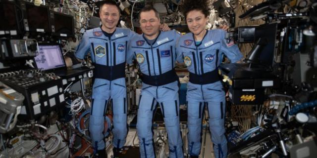 Tre astronauti tornano sulla Terra colpita dal coronavirus dopo 200 giorni