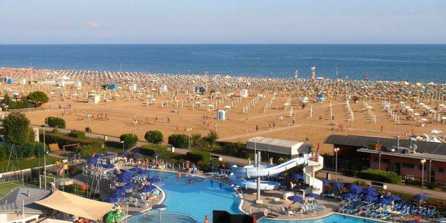 Coronavirus, estate 2020: spiagge libere chiuse e mare solo per i ricchi?
