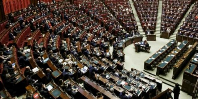 Camera, leghista positivo al coronavirus: i parlamentari chiedono voto online
