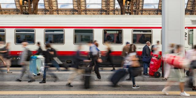 Rischio nuovo esodo al Sud dal 4 maggio: già esauriti biglietti per aerei e treni