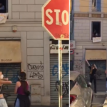 Milano, canti e balli in strada per festeggiare la fine della Fase 1