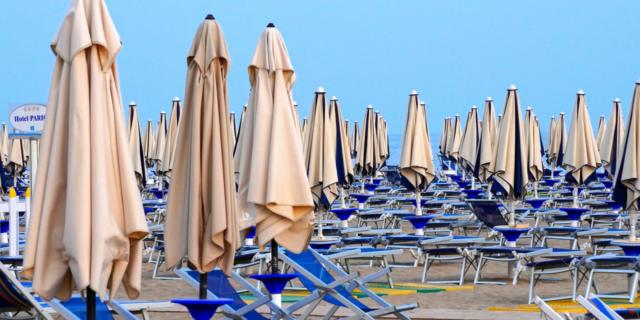 Vacanze al mare con il braccialetto elettronico, la proposta di Giovanni Toti