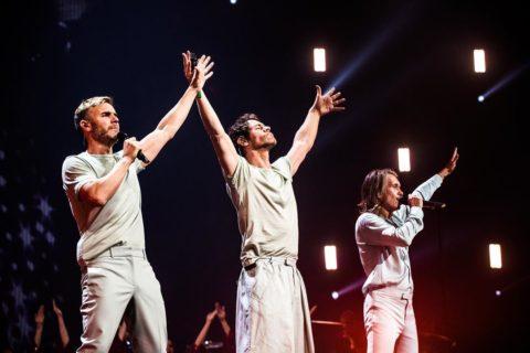 Robbie Williams annuncia la reunion (a scopo benefico) dei Take That