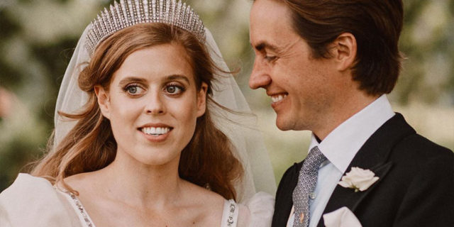 Le nozze (tristi) di Beatrice di York con abito e tiara della regina Elisabetta