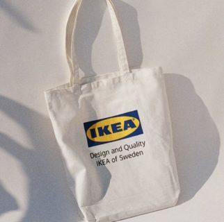 Ikea lancia la sua linea di abbigliamento: 6 pezzi (da non montare) imperdibili