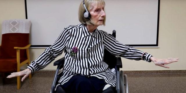Il video della ballerina malata di Alzheimer, che ha dimenticato tutto tranne la danza