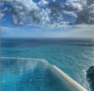 La Sky Pool tra i grattacieli dove puoi nuotare a 35 m d'altezza