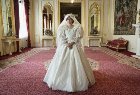 """La """"non rivoluzione"""" dei peli sotto le ascelle di Emma Corrin, la Lady D di The Crown"""