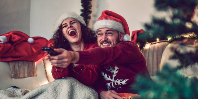 Essere pagati per guardare film natalizi: come diventare Chief Holiday Cheermeister