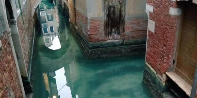 Dalle bare di Bergamo alla vittoria di Biden: il 2020 in 18 immagini