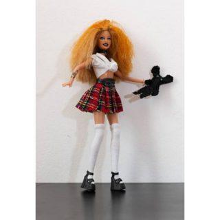 """Cercasi bambole da curare: l'iniziativa """"Adotta una bambola"""" che dà loro nuova vita"""