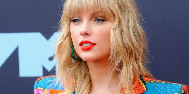 La battuta su Taylor Swift e i suoi ex su Netflix è inaccettabile