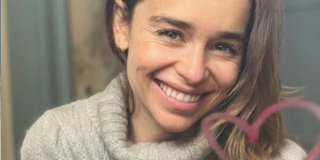 """""""Dovresti fare un filler viso"""", la risposta magistrale di Emilia Clarke"""
