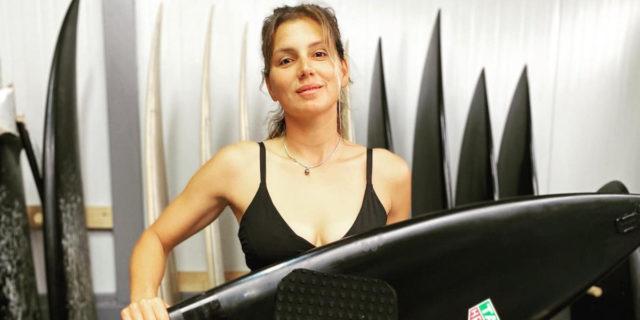 Maya Gabeira, la più brava di tutti e tutte sulla cresta dell'onda più alta