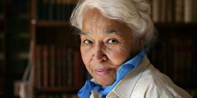 Addio a Nawal El Saadawi, scrittrice e attivista che ha dato voce alle donne arabe