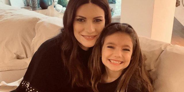 """""""Mia figlia non sarà con me"""": la delusione (e la gioia) di Laura Pausini per gli Oscar"""