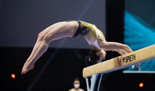 """La """"rivoluzione"""" della tuta di Sarah Voss: chi davvero sessualizza le atlete?"""
