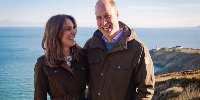 Dieci anni di William e Kate: i Duchi di Cambridge festeggiano le nozze di stagno