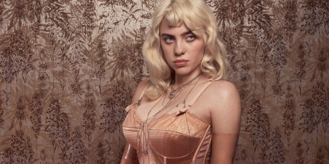 """""""Faccio ciò che mi fa stare bene"""": la """"nuova"""" Billie Eilish sulla copertina di Vogue Uk"""