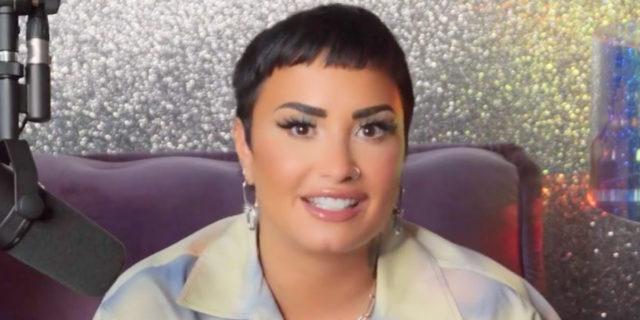 """Demi Lovato si dichiara non binary: """"Ogni giorno possiamo essere chi vogliamo"""""""