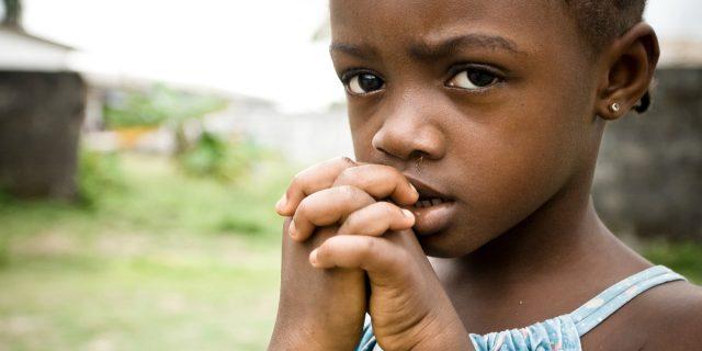Perché con la pandemia sono aumentate le bambine sottoposte a mutilazioni genitali