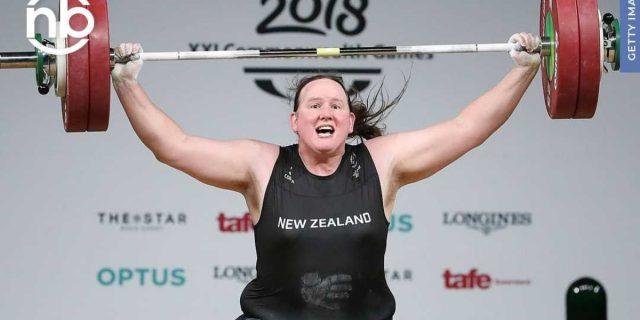 Il primato della sollevatrice di pesi trans Laurel Hubbard alle Olimpiadi di Tokyo