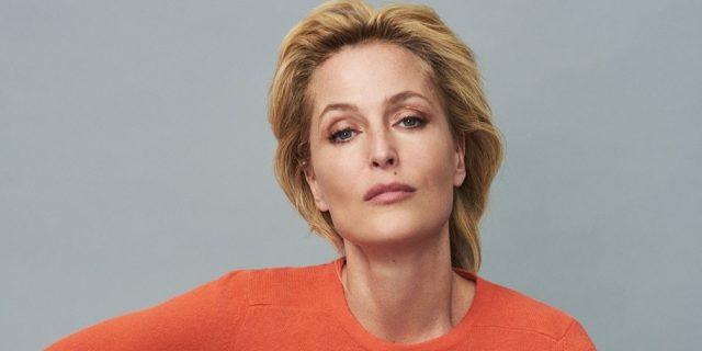 Il motivo super sincero per cui Gillian Anderson ha detto addio al reggiseno