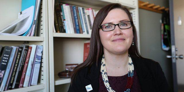 Chi è Kisha Supernant, l'archeologa che cerca i cadaveri dei bambini indigeni