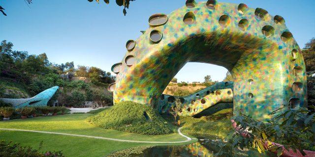 Una casa a forma di serpente: l'Airbnb scelto da Dua Lipa è un sogno
