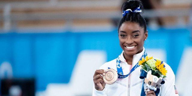 Il bronzo di Simone Biles alla trave e la voglia di tornare a gareggiare per se stessa