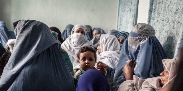 Kabul è in mano ai talebani: la persecuzione delle donne afghane è già iniziata