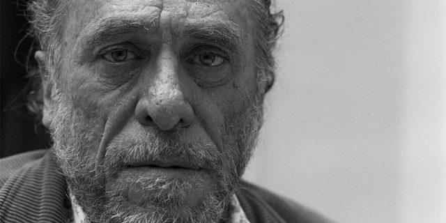 Charles Bukowski: le donne, l'amore e l'erotismo nella sua poesia realista
