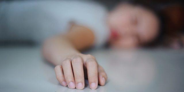 Femminicidi, domenica di sangue: 3 donne uccise nel sonno e per strada