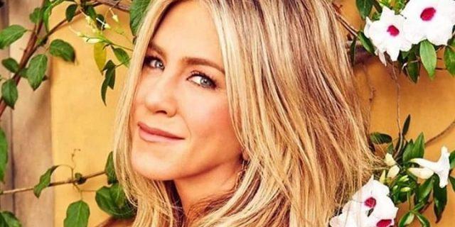 """Cosa sappiamo su """"LolaVie"""", la nuova linea di bellezza targata Jennifer Aniston"""
