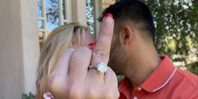Ops, she did it again: Britney Spears ha detto sì al fidanzato Sam