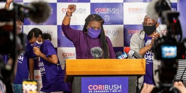 Violentata a 17 anni ho deciso di abortire: le testimonianze delle donne del Congresso