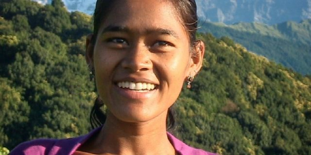 """""""Avrò una vita migliore"""", storia oltre gli abusi e la povertà di Belmaya Nepali"""