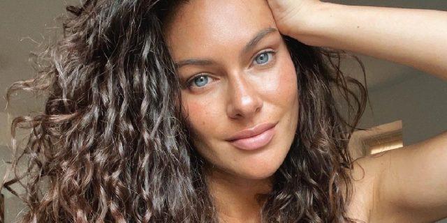 """Paola Turani e la pancia post-parto: """"É ancora lì, no problem, non ho fretta"""""""